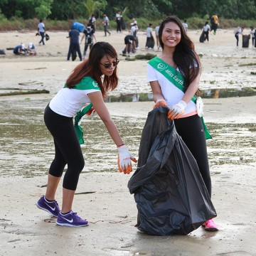MES2015_CoastalCleanup_1000px_004
