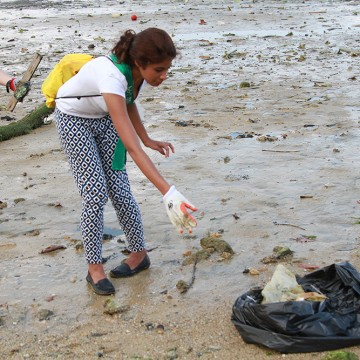 MES2015_CoastalCleanup_1000px_008