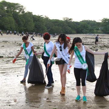 MES2015_CoastalCleanup_1000px_024