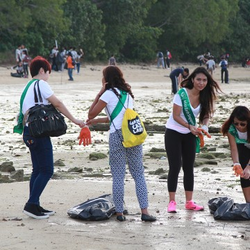 MES2015_CoastalCleanup_1000px_025