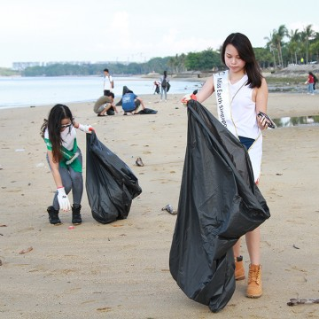 MES2015_CoastalCleanup_1000px_030