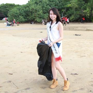 MES2015_CoastalCleanup_1000px_029